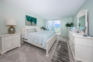 Master Bedroom1a-4