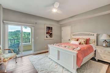 Guest Bedroom #1 - Large Walk-in Closet
