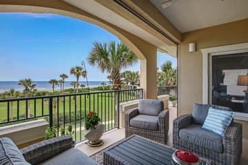 Balcony - Large sitting area