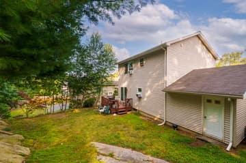 52 Rockledge Dr, Vernon, CT 06066, USA Photo 3