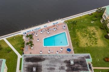 33 Colonial Club Dr, Boynton Beach, FL 33435, USA Photo 39
