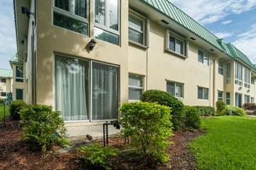 33 Colonial Club Dr, Boynton Beach, FL 33435, USA Photo 24