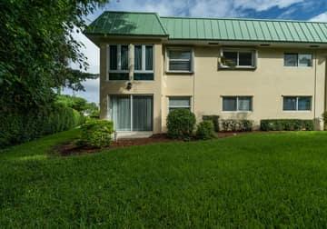 33 Colonial Club Dr, Boynton Beach, FL 33435, USA Photo 25