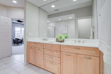 1st Bedroom Bathroom