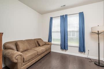 Magnolia Cove Ct, Chester, VA 23831, USA Photo 9