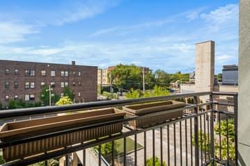9 W Franklin Ave, Minneapolis, MN 55404, USA Photo 10