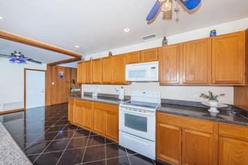 Kitchen 3-3