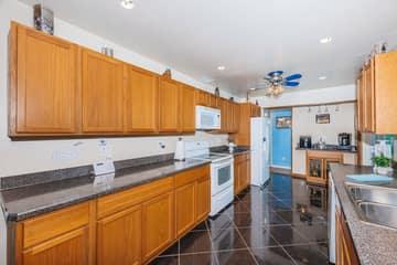Kitchen 2-3