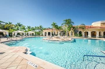 22-Grand Bellagio Pool