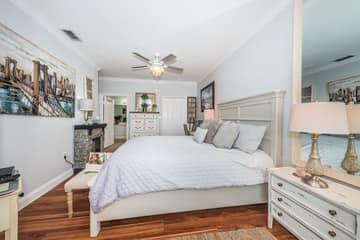 Master Bedroom1e