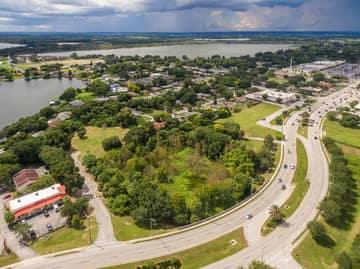 1101 Cypress Gardens Blvd, Winter Haven, FL 33884, US Photo 9