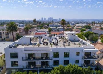 1522 S Orange Grove Ave, Los Angeles, CA 90019, US Photo 2