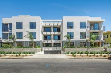 1522 S Orange Grove Ave, Los Angeles, CA 90019, US Photo 3