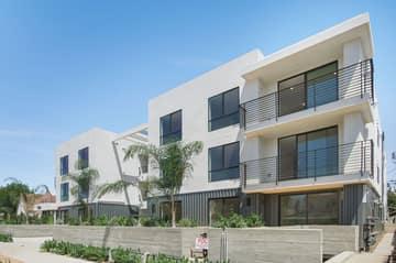 1522 S Orange Grove Ave, Los Angeles, CA 90019, US Photo 30