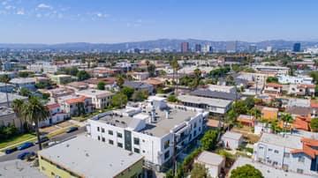 1522 S Orange Grove Ave, Los Angeles, CA 90019, US Photo 38