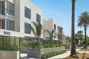 1522 S Orange Grove Ave, Los Angeles, CA 90019, US Photo 6