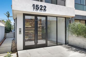 1522 S Orange Grove Ave, Los Angeles, CA 90019, US Photo 5