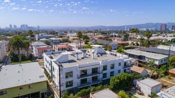 1522 S Orange Grove Ave, Los Angeles, CA 90019, US Photo 39
