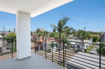 1522 S Orange Grove Ave, Los Angeles, CA 90019, US Photo 28