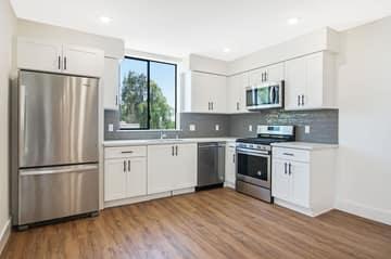 1522 S Orange Grove Ave, Los Angeles, CA 90019, US Photo 17