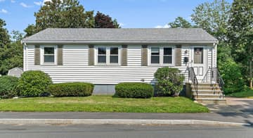 35 Winthrop St, Quincy, MA 02169, USA Photo 2