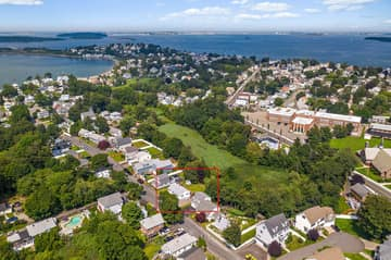 35 Winthrop St, Quincy, MA 02169, USA Photo 4