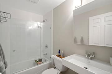 3843 N Southport Ave 1S, Chicago, IL 60613, US Photo 21