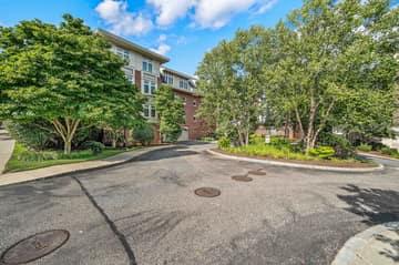 630 Hammond St 104, Brookline, MA 02467, US Photo 40