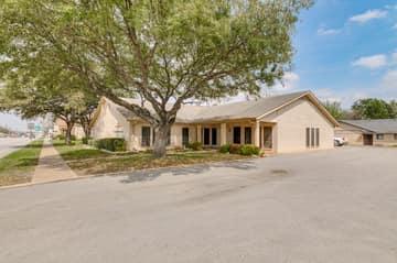 700 N. Main Street, Taylor, TX 76574, US Photo 2