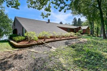 8 Poplar Ln, North Oaks, MN 55127, USA Photo 4