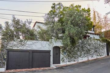 8328 Marmont Ln, Los Angeles, CA 90069, US Photo 3