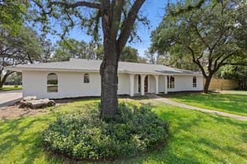 9114 Balcones Club Dr, Austin, TX 78750, USA Photo 12