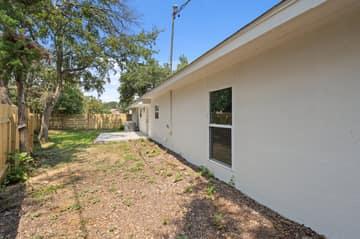 9114 Balcones Club Dr, Austin, TX 78750, USA Photo 80
