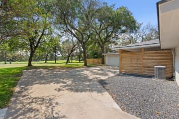 9114 Balcones Club Dr, Austin, TX 78750, USA Photo 16