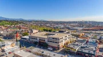 988 N Hill St, Los Angeles, CA 90012, US Photo 25