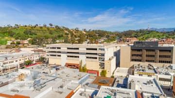 988 N Hill St, Los Angeles, CA 90012, US Photo 35